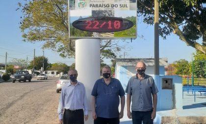 Paraíso do Sul: Prefeitura instala relógio com termômetro digital