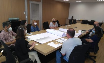 Pórtico: grupo debate obra na BR-153