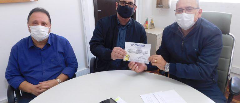Fenarroz assina contrato com Irga e convida autoridades em Porto Alegre