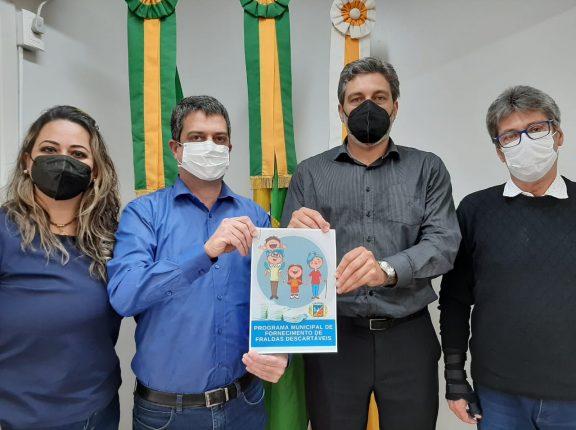 Saúde lança programa de fornecimento de fraldas descartáveis