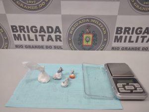 Santa Helena: BM prende jovem com buchas de cocaína