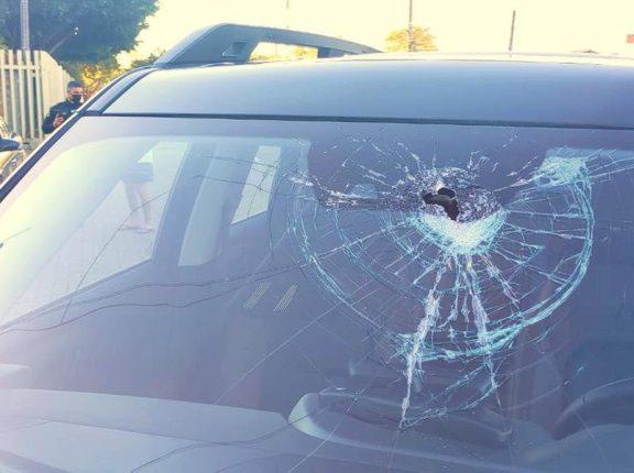 Homem é detido após atirar barra de ferro contra carro na BR-290, em Eldorado do Sul