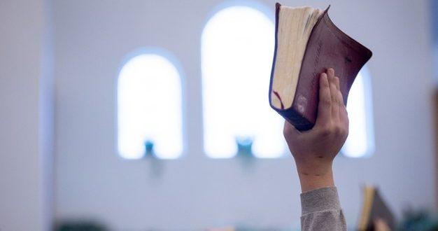 Pastor é denunciado por importunação sexual em Pantano