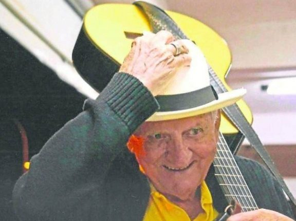 Violinista cachoeirense é vítima da Covid